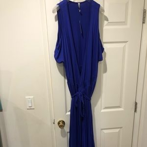 Beautiful NEW Rachel Pally Cold Shoulder Dress